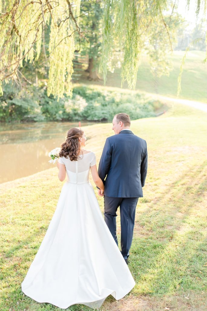 wedding portraits in weeping willow photographed by Renee Nicolo Photography