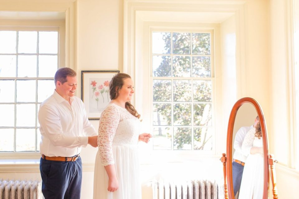 bride and groom prepare for PA wedding day with Renee Nicolo Photography