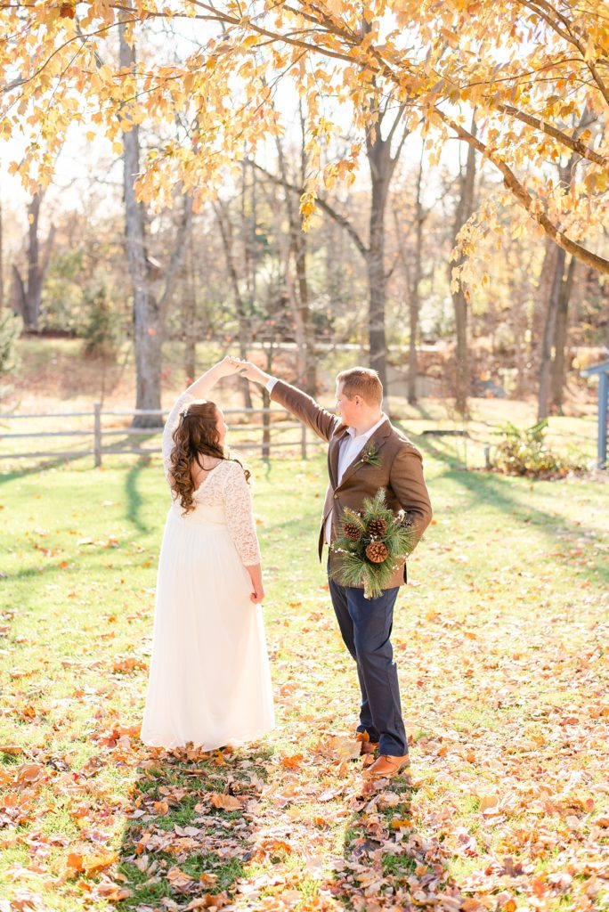 romantic fall wedding photos at Duportail House with Renee Nicolo Photography