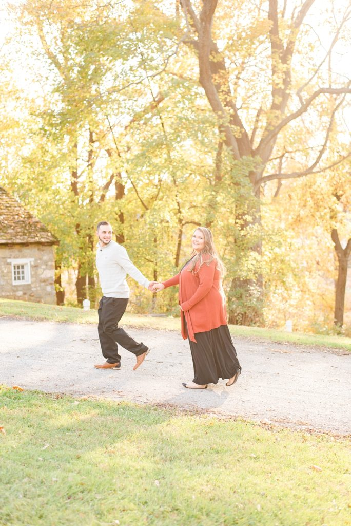 PA wedding photographer Renee Nicolo Photography captures Valley Forge National Park engagement session