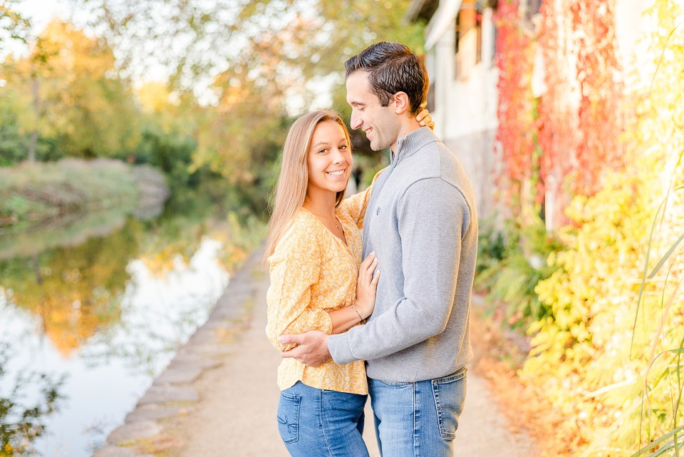 New Hope PA engagement portraits in the fall