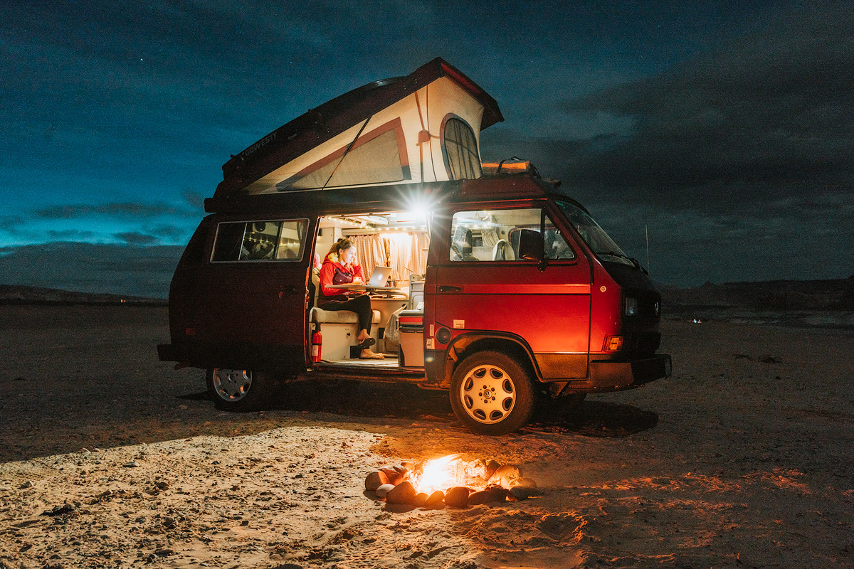 How-to-make-money-while-traveling-the-world-Renee-Roaming-Van