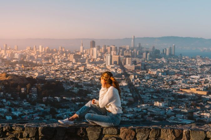 How-to-Spend-24-Hours-in-San-Francisco-Twin-Peaks-Sunset-02-Renee-Roaming