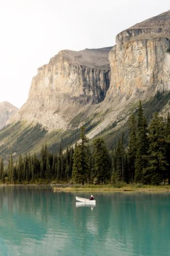 Top-6-Must-See-Canadian-Rockies-Lakes-Maligne-Lake-2-Renee-Roaming