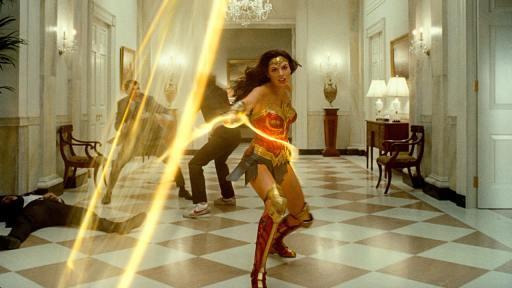 Wonder Woman 1984 bringt einige schöne Kampfszenen mit sich (Bild:  Warner Bros. Entertainment Inc)
