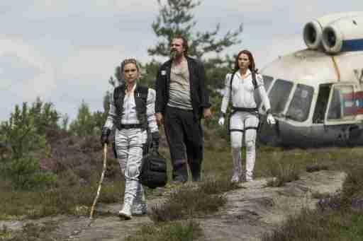 Florence Pugh, David Harbour und Scarlett Johansson in Black Widow (Marvel Studios 2021. All Rights Reserved.