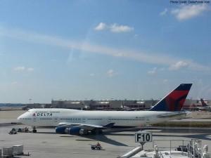Delta 747 jet in Atlanta delta points blog