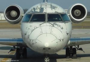 A Delta Connection CRJ-200 regional jet.