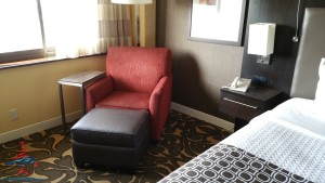 Los Angeles LAX IHG Crown Plaza Club Room King room review RenesPoints Blog (5)