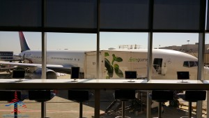 Delta Sky Club E Concorse Atlanta ATL review RenesPoints blog (14)