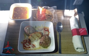 delta first class meal meat balls with spinich and ricotta cheese with crostini and soup renes points blog review