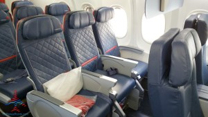 left side front row comfrot plus delta 757-200 renespoints blog