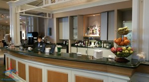 Delta Sky Club review Orlando MCO airport RenesPoints blog (8)