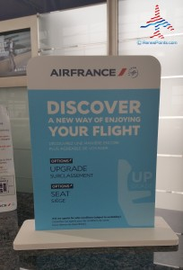 air france sign pay to upgrade your seat dtw detroit airport delta skyteam renespoints blog