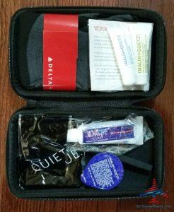 Delta Tumi Delta One Amenity Kit Review Black and Gray RenesPoints blog (19)