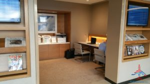 Review American Airlines Admirals Club ORD T3 near G gates RenesPoints blog review (7)