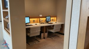 Review American Airlines Admirals Club ORD T3 near G gates RenesPoints blog review (9)