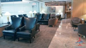 American Airlines Admirals Club YYZ Toronto Canada Terminal 3 Concourse A RenesPoints blog review (11)
