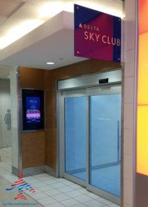 Delta Sky Club PHL Philadelphia Terminal D by RenésPoints travel blog (3)