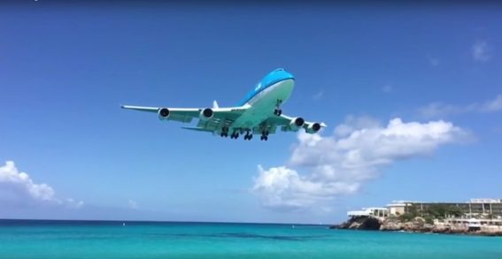 klm 747 landing in sxm slowmo