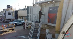 Delta Special Services Porche ride from gate to gate RenesPoints blgo