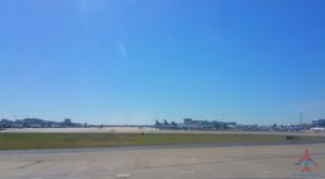 delta-jets-parked-at-gate-in-atl-atlanta-airport