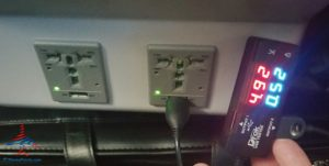 delta-a320-usb-powerport-test-renespoints-blog