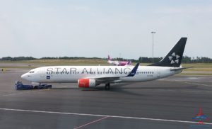 sas-star-alliance-jet-at-gothenburg-got-airport-renespoints-blog