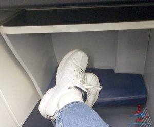 not-much-leg-room-delta-one-757-transcon-lax-to-jfk-renespoints-blog