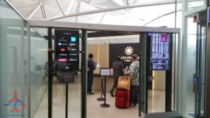 plaza premium priority pass lounge hong kong hkg airport renespoints blog review (3)