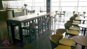 plaza premium priority pass lounge hong kong hkg airport renespoints blog review (9)