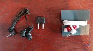 review Delta Billboard headphones vs Amerian headphones in first class renespoints blog (2)