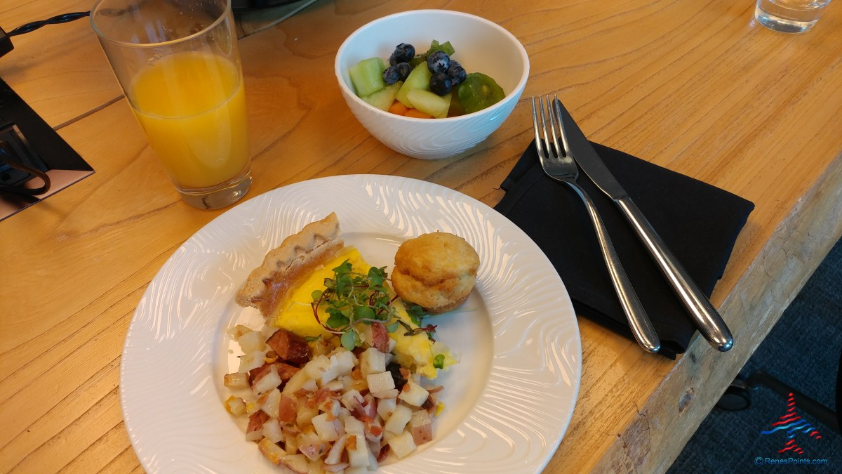 breakfast Dallas DFW AMEX Centurion Lounge RenesPoints blog