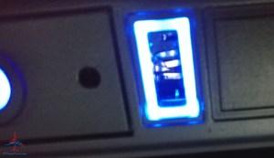 broken USB port in IFE screen Delta first class RenesPoints blog