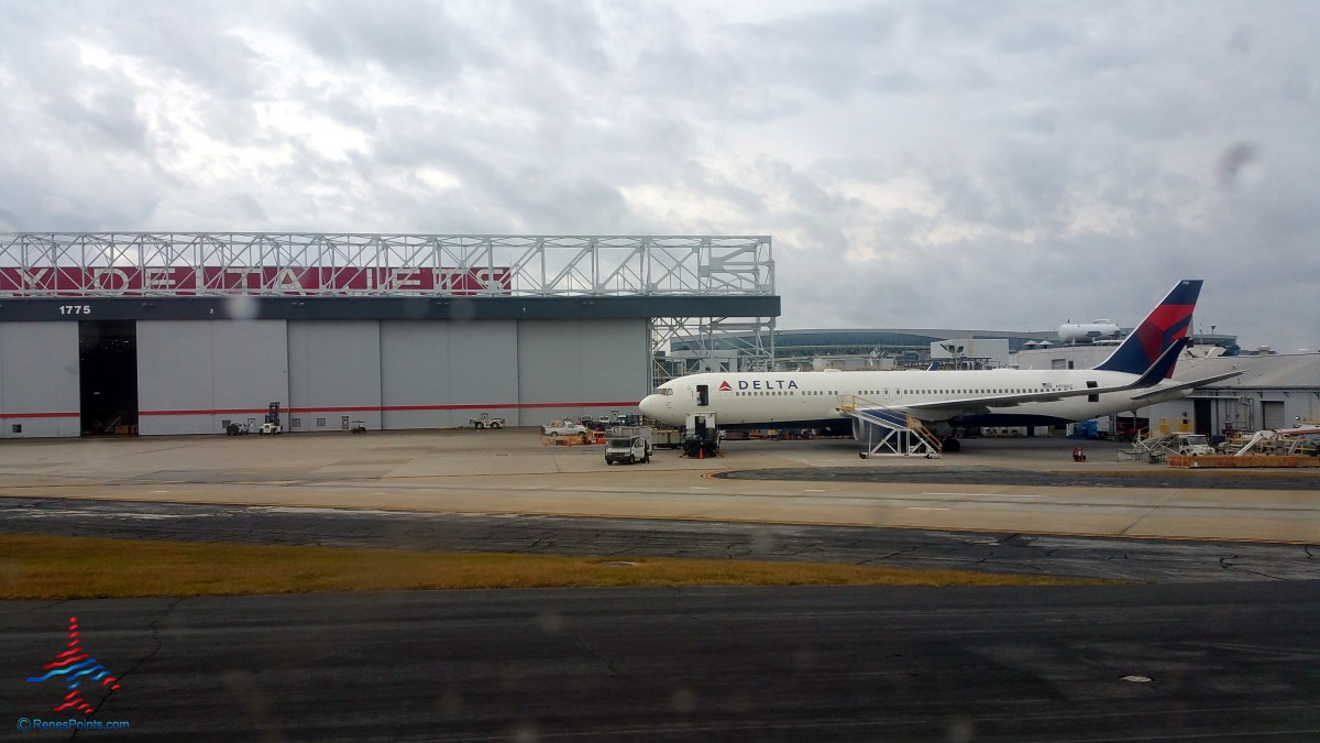 fly delta jets sign atl renespoints blog