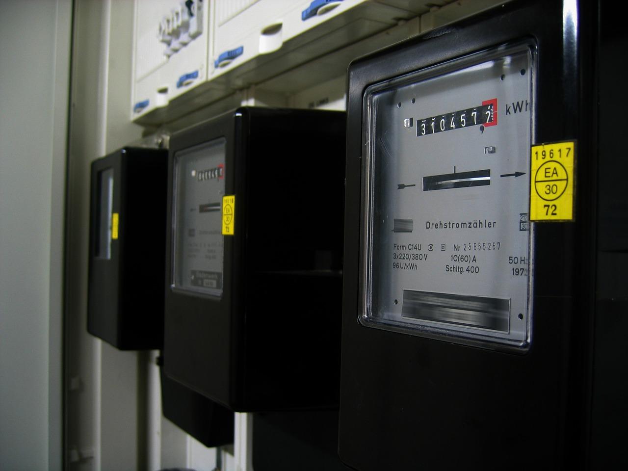 electricity meter grid tie