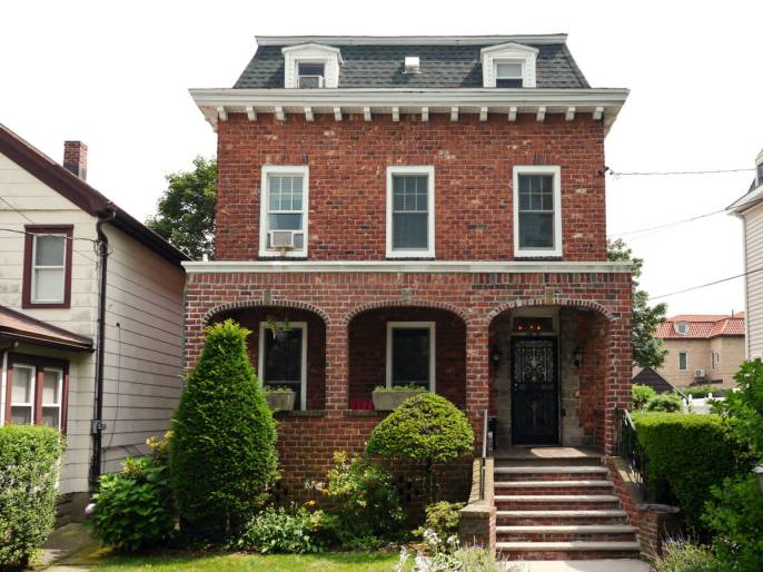 Replacement windows for historic Long Island homes