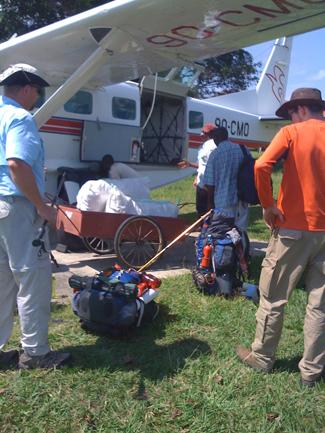 1 Yansi-loading-Cessna