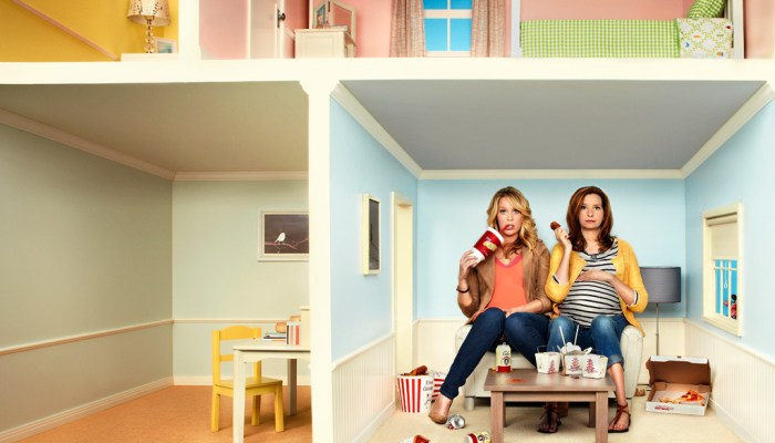 Playing House Renewed For Season 2 By USA!