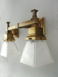 Arts & Crafts Mission Wall Sconce (Double) | Renew Gallery