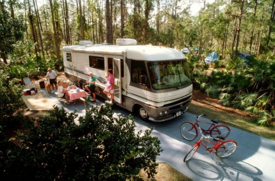 Best RV Full Time For As A Family 29