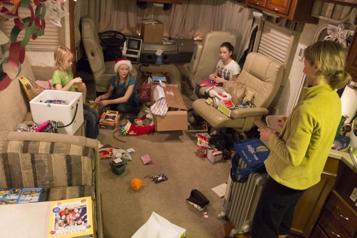 Best RV Full Time For As A Family 32