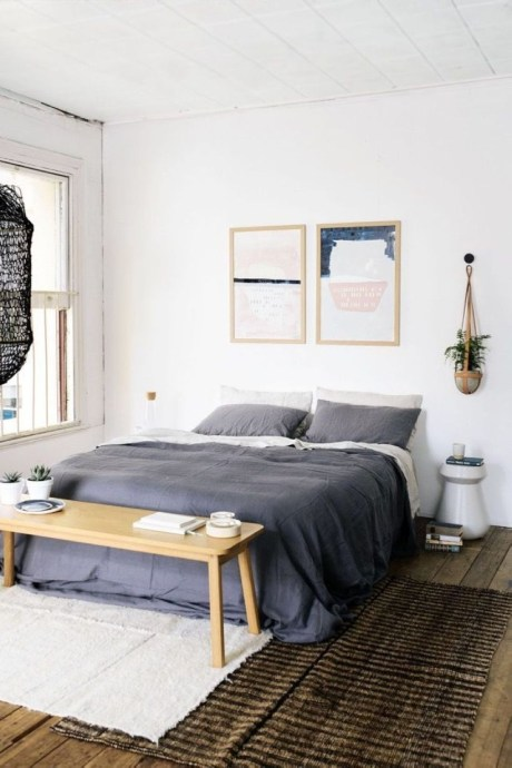 Cozy Bedroom Ideas For Your Tiny Apartment 41