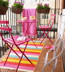 Creative Yet Simple Balcony Decor Ideas For Apartement02