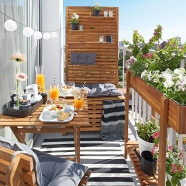 Creative Yet Simple Balcony Decor Ideas For Apartement33
