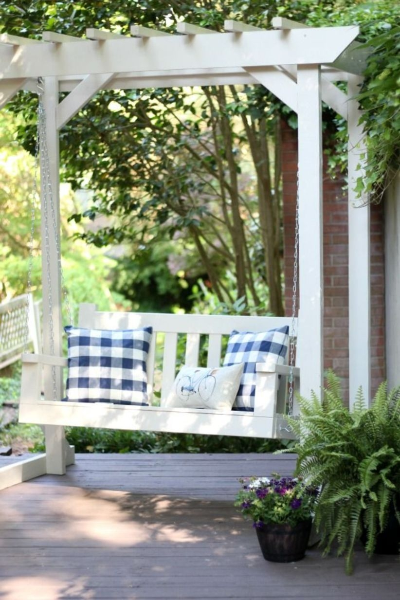 Pergola Ideas To Keep Cool This Summer 18
