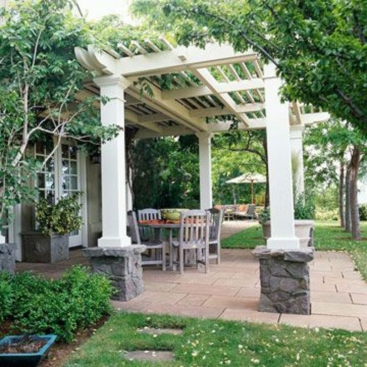 Pergola Ideas To Keep Cool This Summer 21