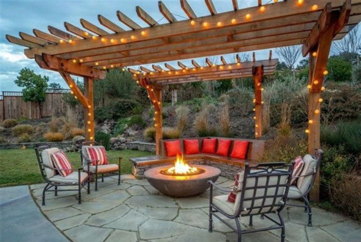 Pergola Ideas To Keep Cool This Summer 29