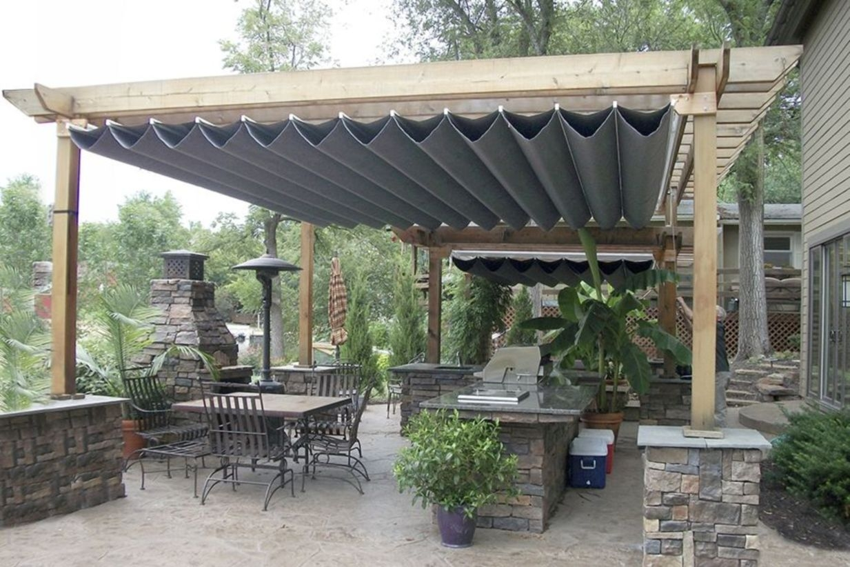 Pergola Ideas To Keep Cool This Summer 31