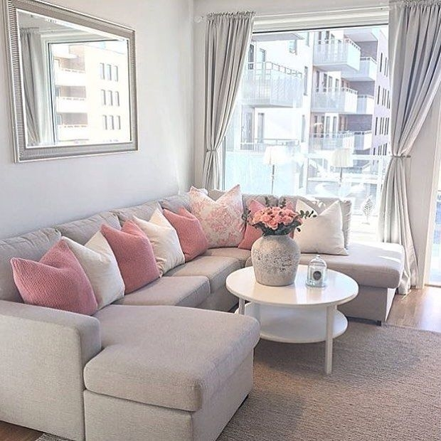 Pink And Gray Modern Living Room Decor 32